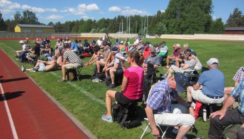 De här glada löparna tillbringade en god stund av förmiddagen i solskenet på Ränneborgs IP