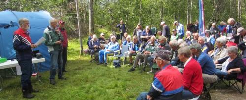Ivan redogör för kommande arrangemang och Jan Wingstedt väntar på att få kåsera om Möbelcentret Bodafors.
